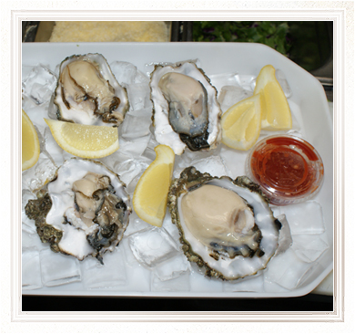 Fresh Oysters with Dipping Sauce